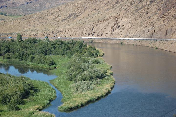 Yakima River above Roza Dam