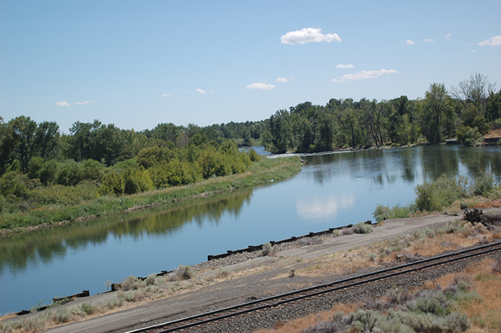 Yakima River at Wapato Dam